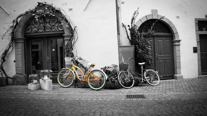 WALTER VASSILLO - Bicycles in Bozen- Novembre