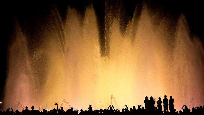 WALTER VASSILLO - Magic Fountain in Barcelona - Ottobre